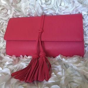Handbags - 🌸🌸Tassel pink handbag/crossbody